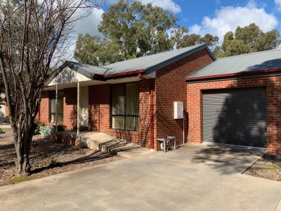2 BEDROOM BRICK UNIT - CLOSE TO LAKE BENALLA