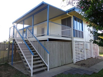 Breezy Highset Home Close to Everything