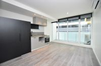 Brand New 1 bedroom apartment  Close to public transport and shops