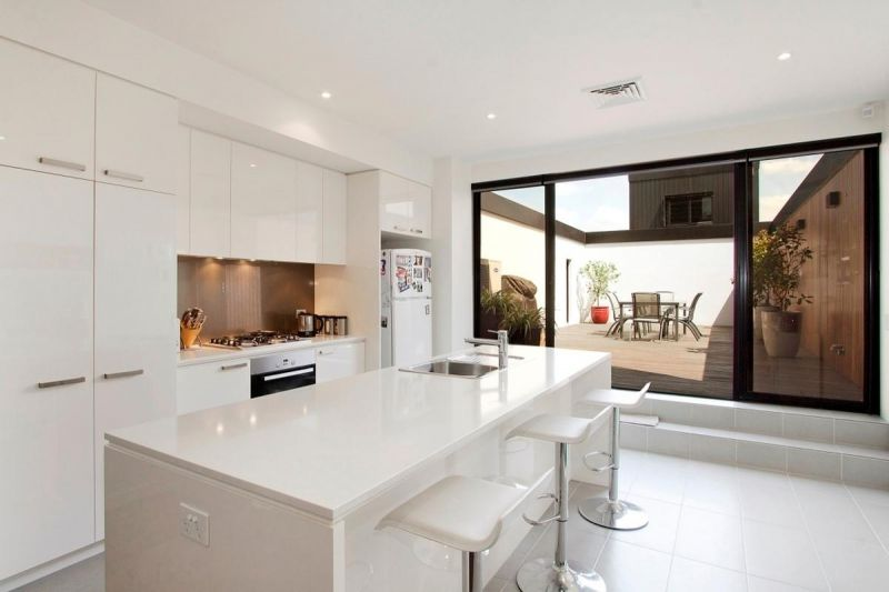 Spectacular townhouse with home office in the Docklands