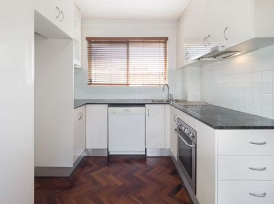 2 BEDROOM APARTMENT IN SMALL BLOCK OF 4!