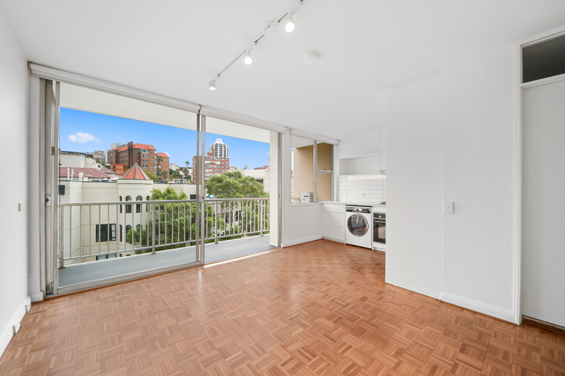 BEAUTIFULLY RENOVATED STUDIO WITH BALCONY AND SECURITY PARKING