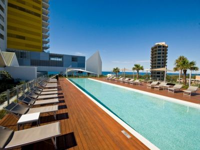 SKYHOME - AIR ON BROADBEACH
