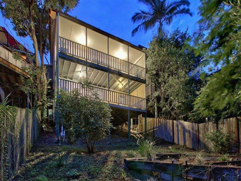 18 Waterworks Road Red Hill 4059