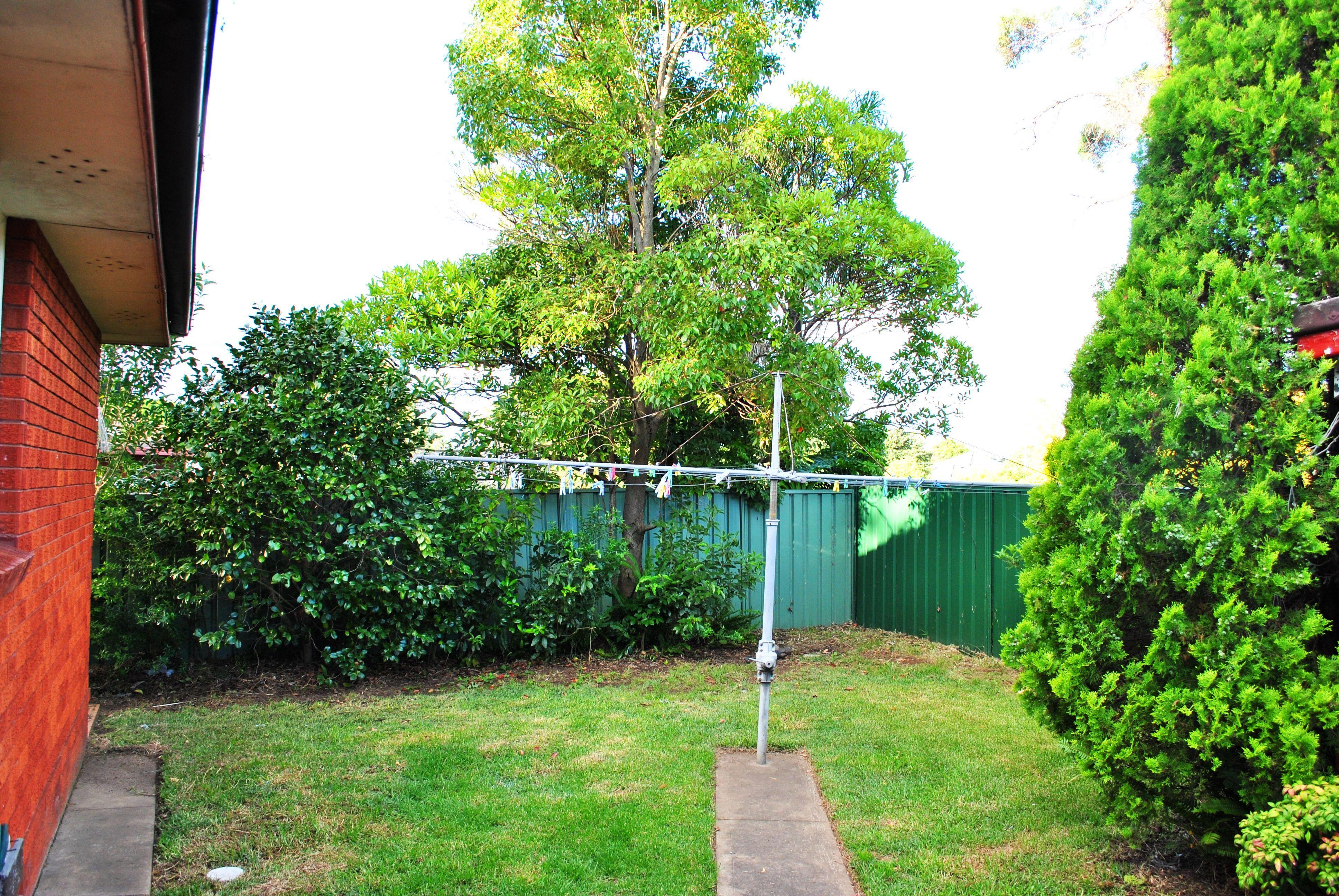 1 Waldo Crescent, Peakhurst NSW 2210