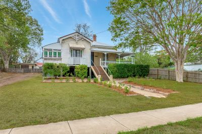 MAJESTIC HOME IN DRESS CIRCLE LOCATION
