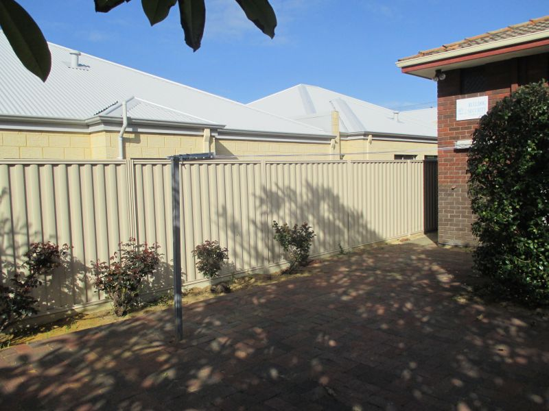 WELL PRESENTED DUPLEX WITH SECURITY