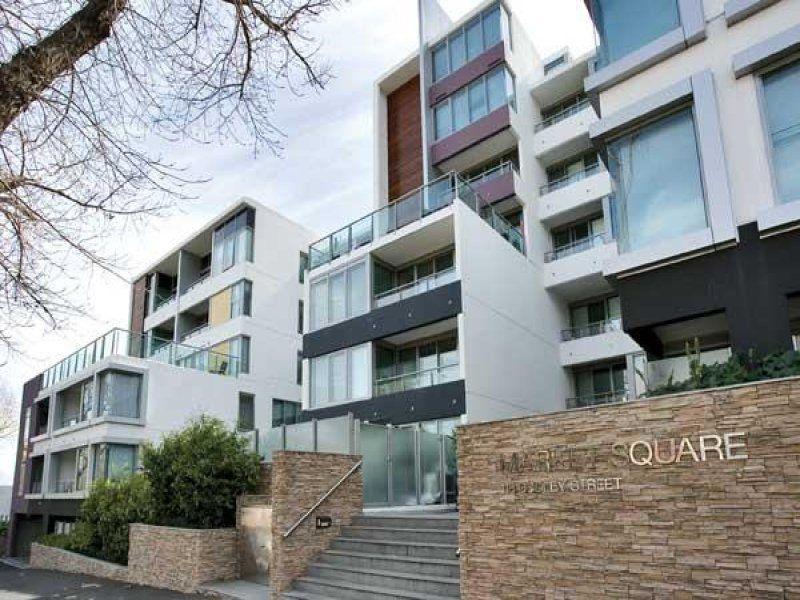 Market Square: Stunning One Bedroom Apartment - Only Moments to the CBD!
