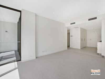Oversized 1-Bedroom Apartment with Study in Harold Park