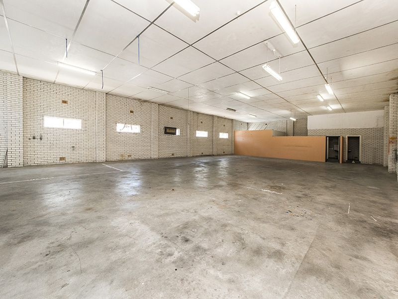 PRIME INNER CITY WAREHOUSE  WITH ATTACHED CHARACTER OFFICES