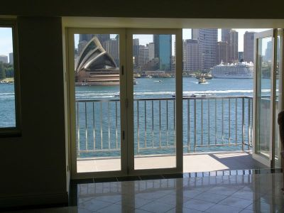 Waterfront executive apartment | World class views