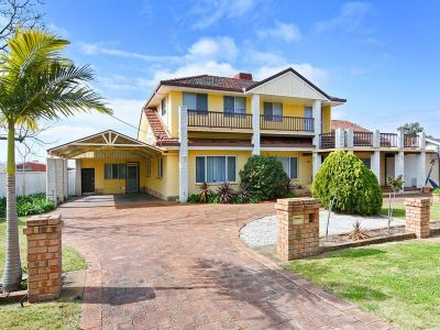 HUGE FAMILY HOME IN SOUGHT AFTER SOUTH BUNBURY