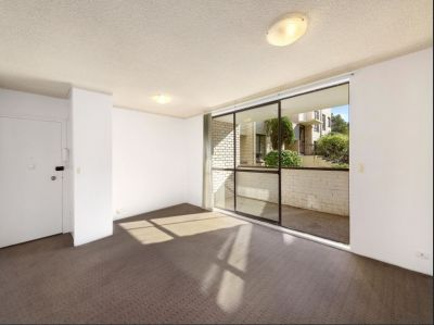 Fantastic light filled two bedroom unit!