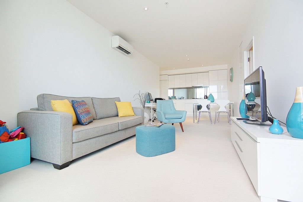 Inner City Sophistication: Resort-Style Luxury - Fully Furnished!