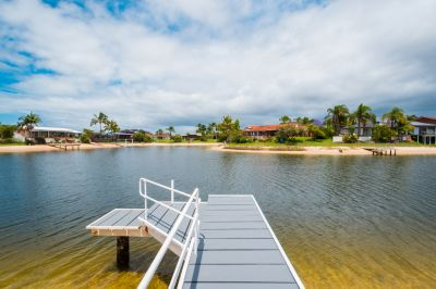 SUPERB WATERFRONT LOCATION