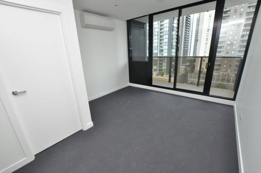 Wrap: 11th Floor - Southbank Living At Its Finest!