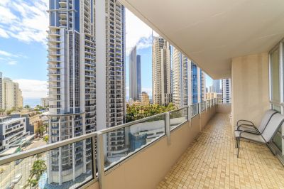 Immaculate 3 Bedroom 131 sq m Apartment, Absolute Riverfront + Jetty