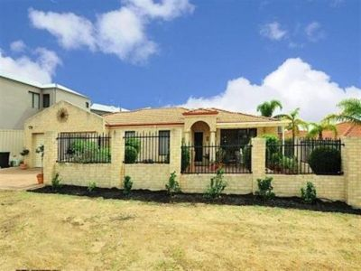Front Villa in Quiet Location!