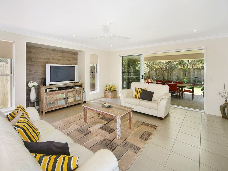 17 Longcove Place, Peregian Springs QLD 4573