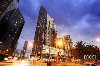 Vue Grand: Enjoy the High Life in the Heart of Southbank!