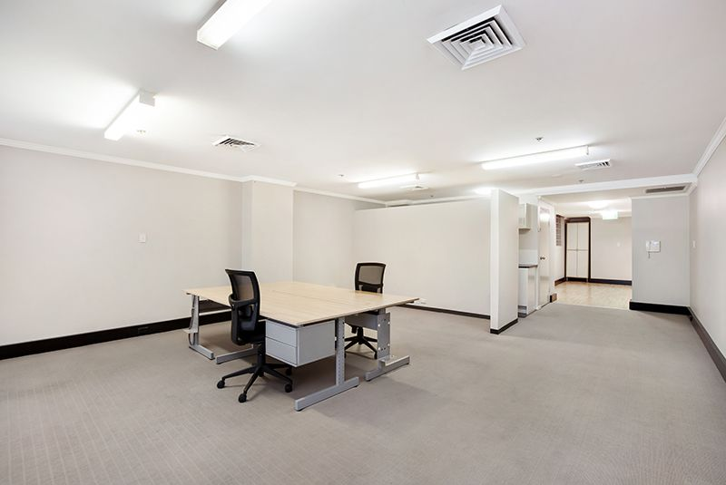 UNDER OFFER NO FURTHER INSPECTIONS - Open Plan Office Space With Balcony