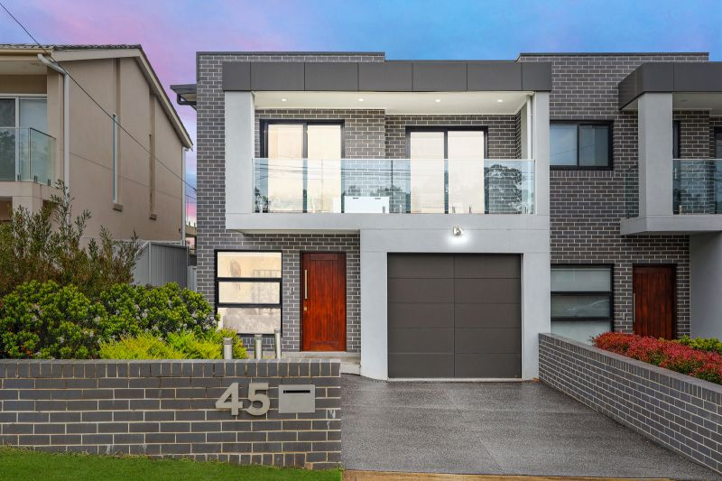 45 Wendy Avenue, Georges Hall NSW 2198