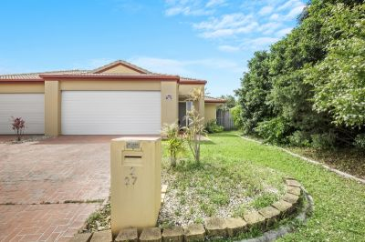 Spacious Duplex in the Heart of Robina