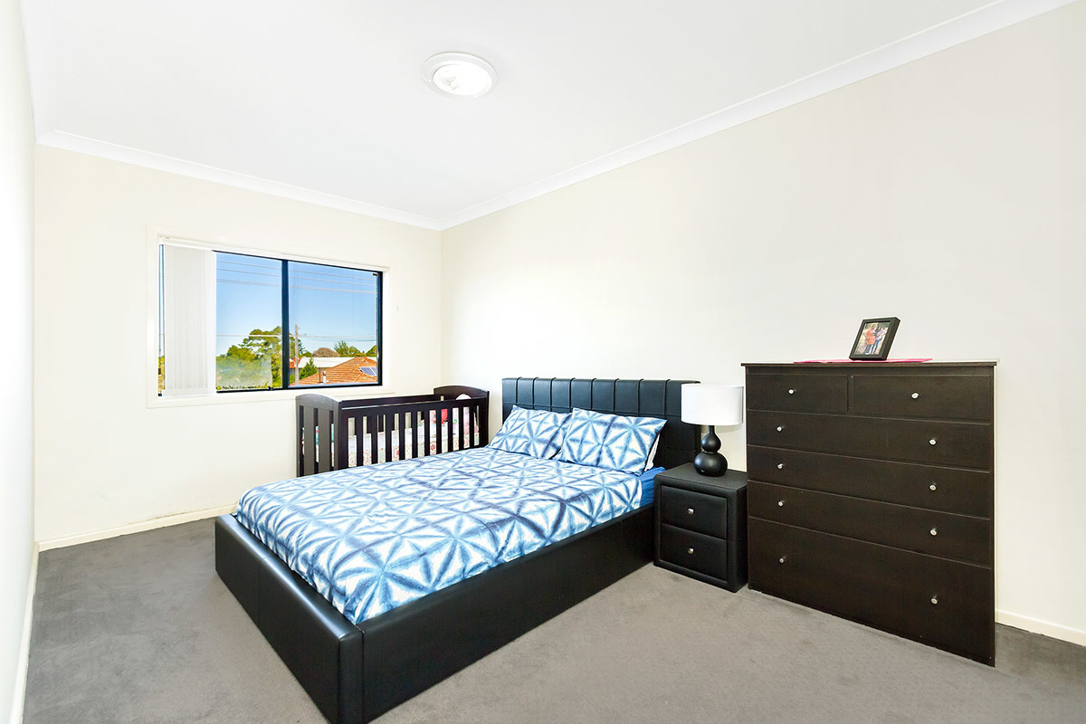 2/61 Tennyson Road, Greenacre