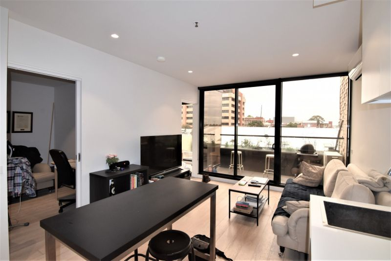 One Bedroom Apartment in Collingwood