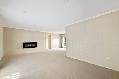 2 Weeks Free Rent - Large Home In Prestigious East Toowoomba!