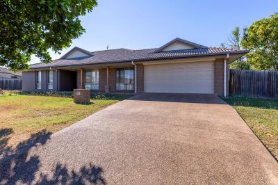 SPACIOUS FAMILY HOME ON 1073M2 BLOCK CLOSE TO EVERYTHING!