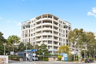 211/2 The Piazza, Wentworth Point