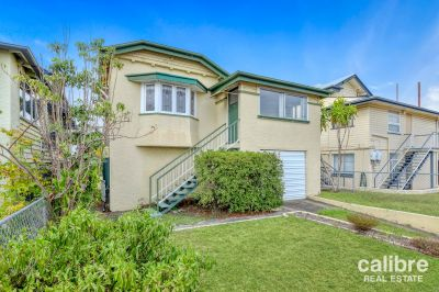 Spacious 2 Bedroom Home Close to Everything!
