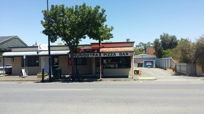 Retail frontage in heart of Barossa Valley.