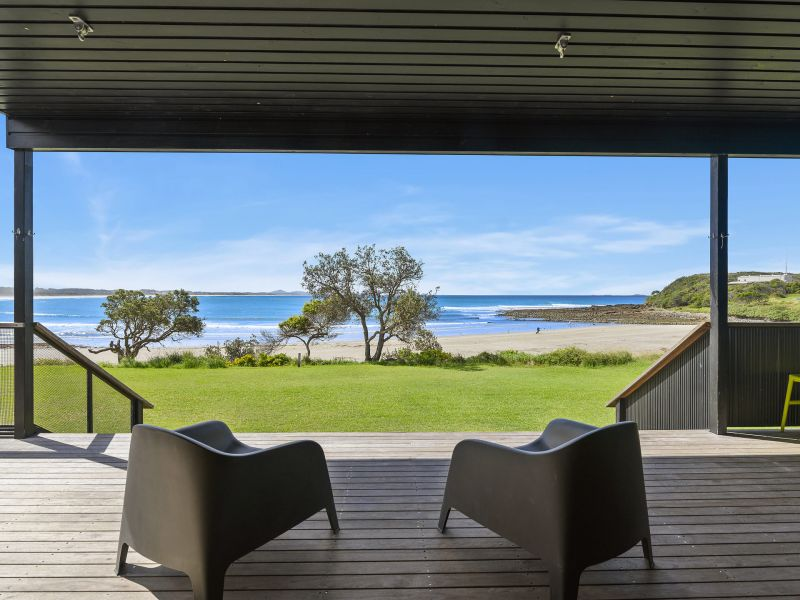 Absolute beachfront at Arrawarra Headland!