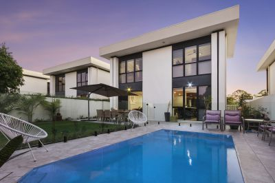 Modern Masterpiece with Private Pool