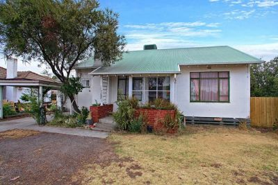 Comfortable, Neat and Tidy 2 Bedroom Home.