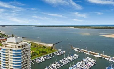 SPECTACULAR BROADWATER LIVING + BERTH + STORAGE
