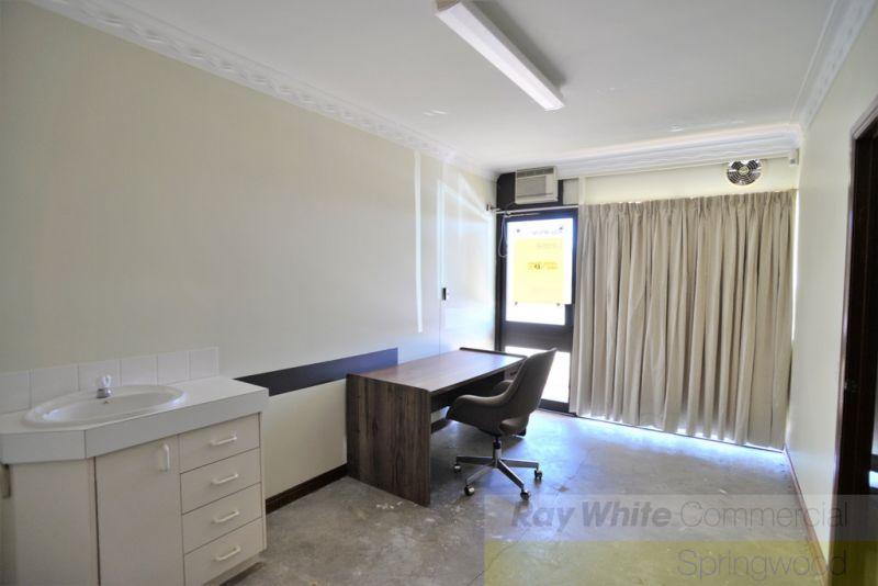 Ground Floor Office In Springwood 50m2*
