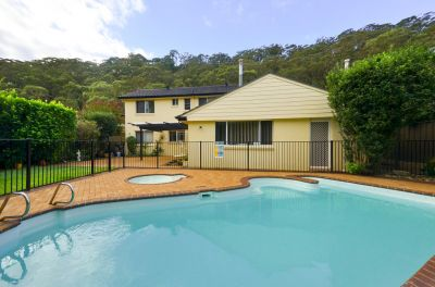 GREAT FAMILY HOME WITH POOL & SPA