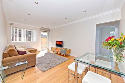 Spacious & Immaculate two bedroom top floor apartment.