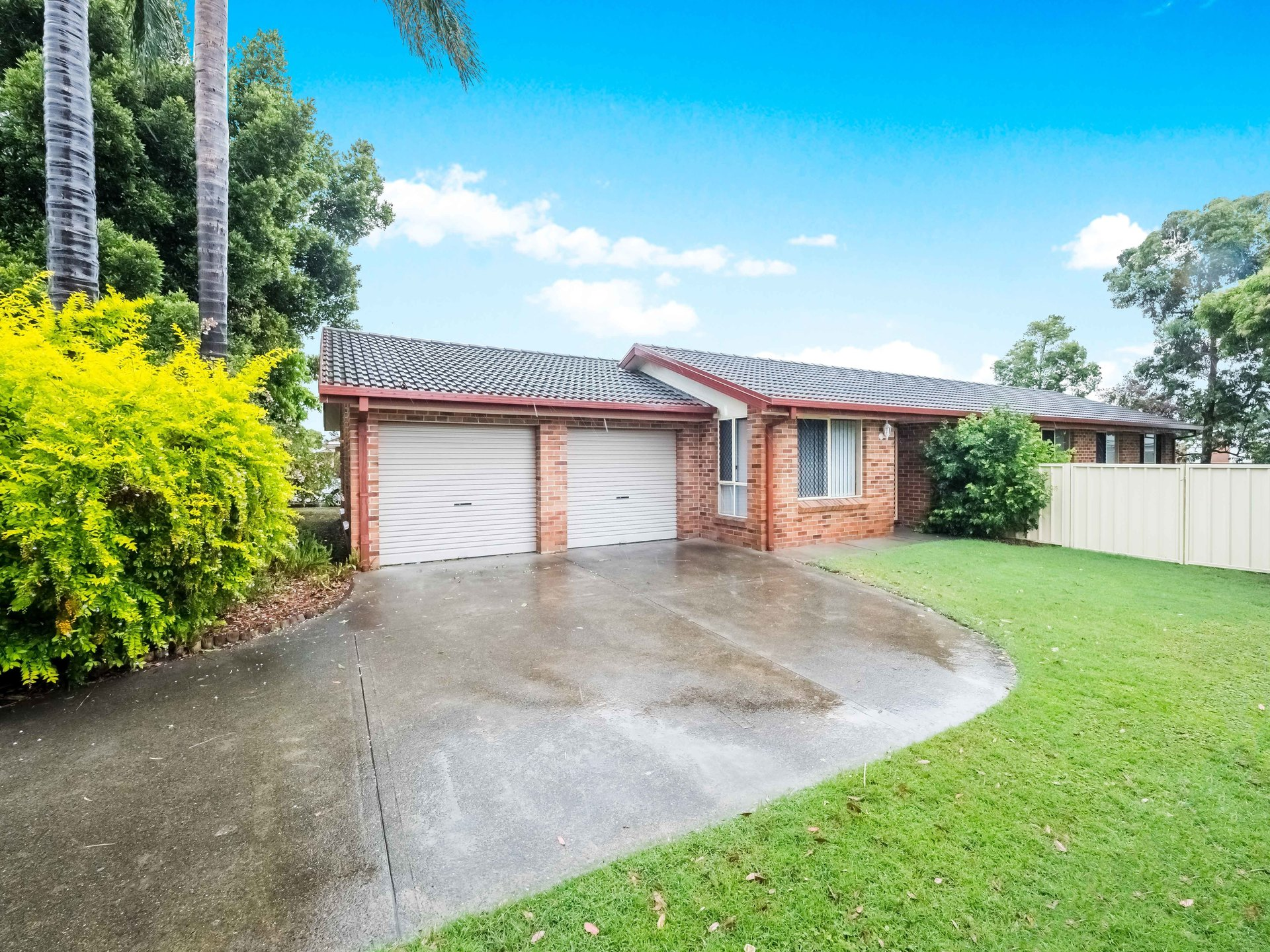 Raymond Terrace 43 Cedarwood Crescent