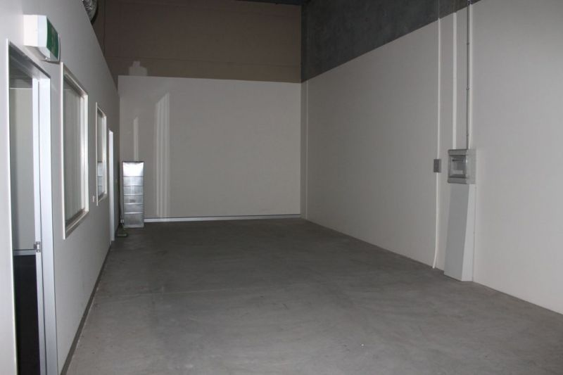 FITTED OUT RETAIL / OFFICE & WAREHOUSE