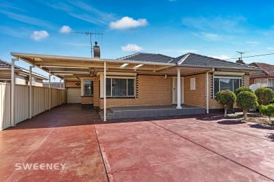 Renovated Family Home On 704M2 Allotment