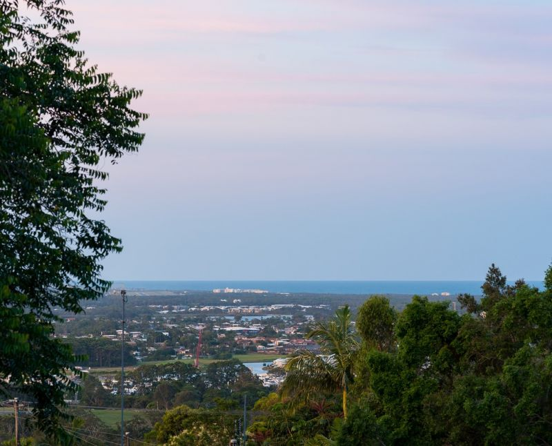 BEAUTIFUL HOME WITH VIEWS TO MOUNT COOLUM