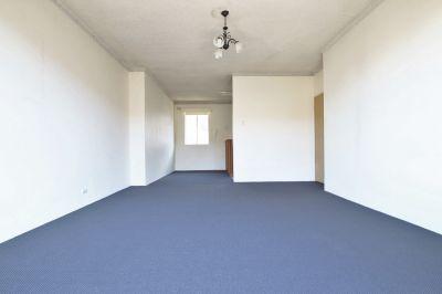 Two Bedroom Top Floor Unit *FRESHLY PAINTED & NEW CARPET*