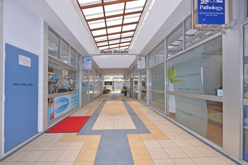 OASIS ARCADE SHOP / OFFICE