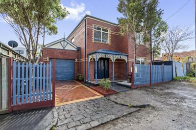 Stylish Federation style 4 bed family home
