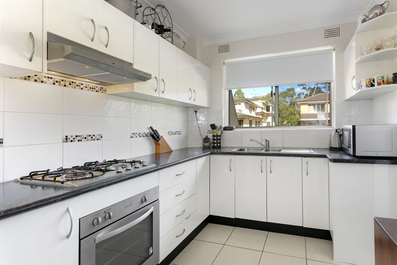 Top Floor Excellent Entry Level Home or Investment
