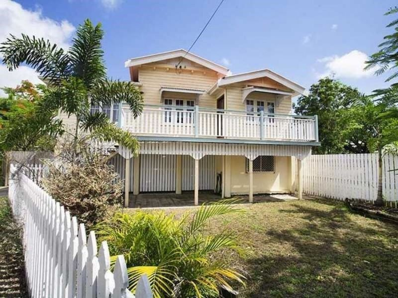 This charming high set Queenslander with traditional features including tongue & groove walls, timber floors and casement windows is situated in the v